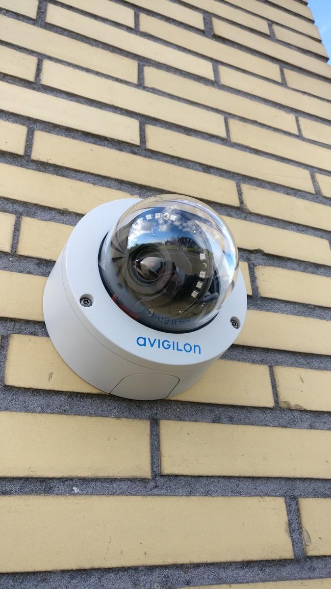 Caméra dôme Avigilon