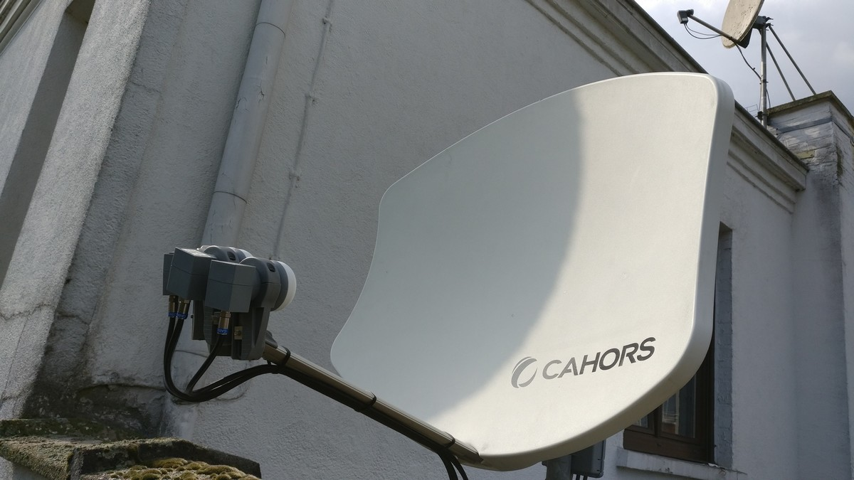 Satellite Cahors Bisat 4 têtes