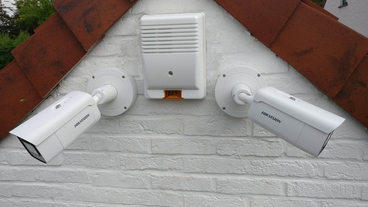 Caméras bullet HikVision et sirène extérieure Altec
